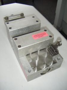 Model 303HD Heavy Duty Feed 2